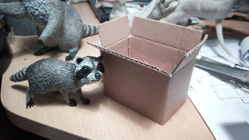 racoon trash sculpture art eurofurence ef24 Making a miniature box... out of a bigger box :O